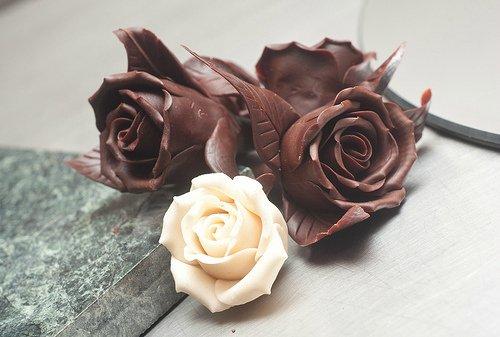 Роза из шоколада своими руками