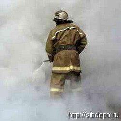 Пожар на крытом рынке в Белово уничтожил 10 торговых ячеек