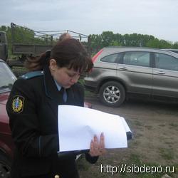 Должник из Кузбасса попытался спрятать свой автомобиль от ареста в Томской области