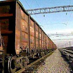 Грузовой поезд столкнулся с мотоциклом в Кузбассе