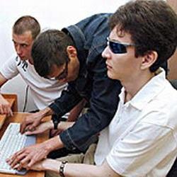 Кемеровское общество слепых будет собирать энергосберегающие светильники
