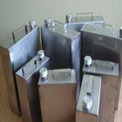 В Кемерово с химического предприятия пытались вывезти  растворитель