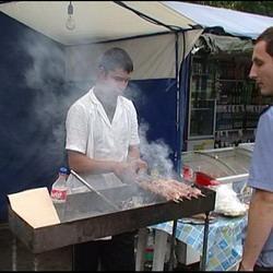 В Кемерове закрыли  торговую палатку с шашлыками