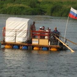 Спасатели организовали сплав на плоту по реке Томь