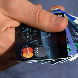 В Кемерове мошенники  сняли 70 тысяч с банковской карты
