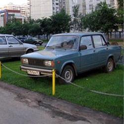 За помятый газон - 300 рублей штрафа