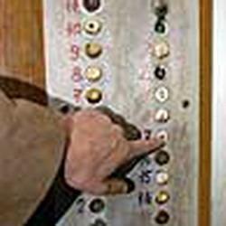 В Кемерове заменят опасные лифты