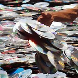 В Кузбассе изъяли крупную партию пиратских дисков