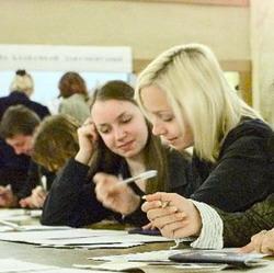 В вузах началось обучение студентов-переписчиков