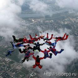 "Звезда Голливуда каскадер BJ Worth даст мастер-класс парашютистам на ""Танае"""
