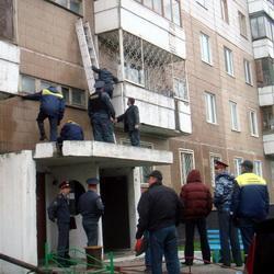 Пьяный мужчина устроил стрельбу в подъезде жилого дома  в Кемерове (ФОТО)