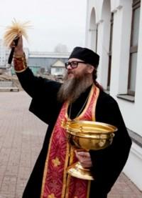 В Кемерове освятили кладбищенскую часовню, построенную в память об отце замгубернатора области