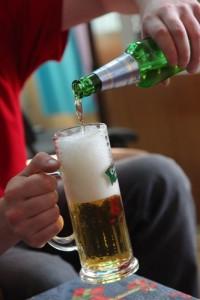 Рекламную фразу «Купи бутылку пива и выиграй!..» мы больше не услышим и не увидим