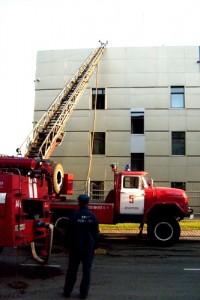 Кузбасские пожарные соревнуются, кто выше потушит пожар
