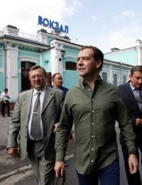Дмитрий Медведев прогулялся по городу Топки (фото)