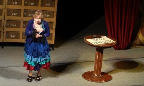 В Кемерове прошёл спектакль с Лией Ахеджаковой в главной роли (фото)