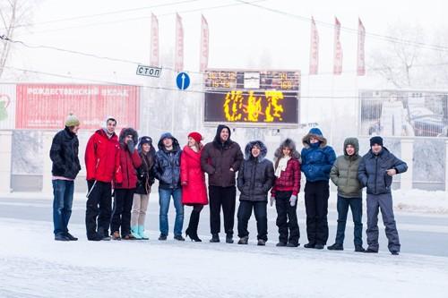 Томская молодежь устроила в центре города фотосессию в купальниках
