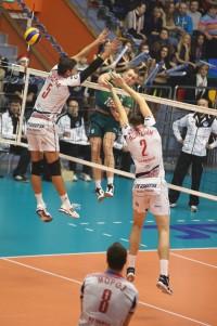 Волейболисты кемеровского «Кузбасса» не смогли переиграть «Урал»