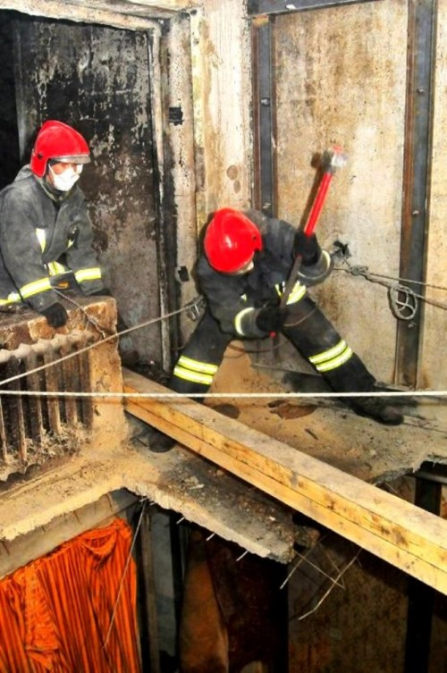 В пострадавшем от взрыва доме продолжаются ремонтно-восстановительные работы