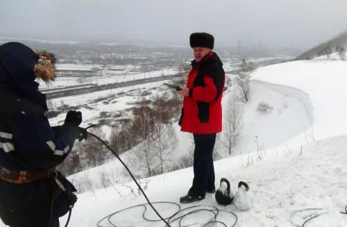 Новокузнецкие спасатели провели технический спуск снежных масс