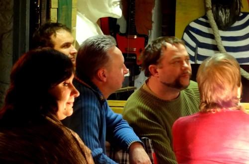 В кемеровском театре «Ложа» спели Высоцкого