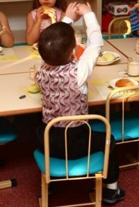 Воспитательница новокузнецкого детсада сломала 4-летнему мальчику ключицу, укладывая ребёнка спать