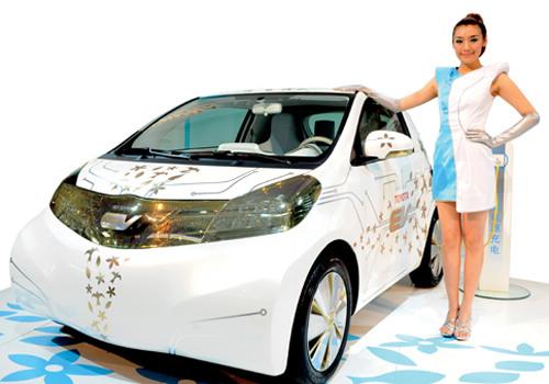 КНР вчетверо увеличит производство машин нановых источниках энергии