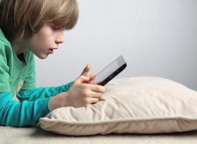 Ученые: вред от смартфонов для детей больше, чем считали ранее