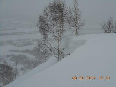 В Кузбассе на двух участках у дороги могут сойти лавины