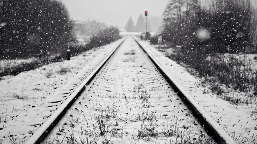 ВРудничном районе Кемерова поезд насмерть сбил мужчину