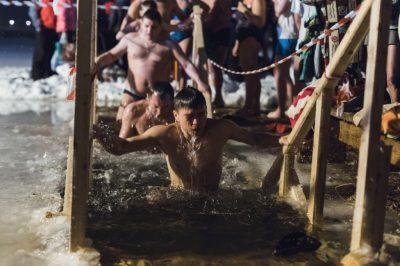 В Кемерове более трёх тысяч человек окунулись в крещенские купели
