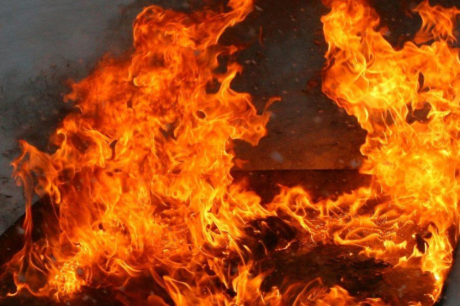ВКемерове наВесенней горел автомобиль БМВ