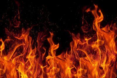 В Кемерове при пожаре в котельной СТО погибла женщина
