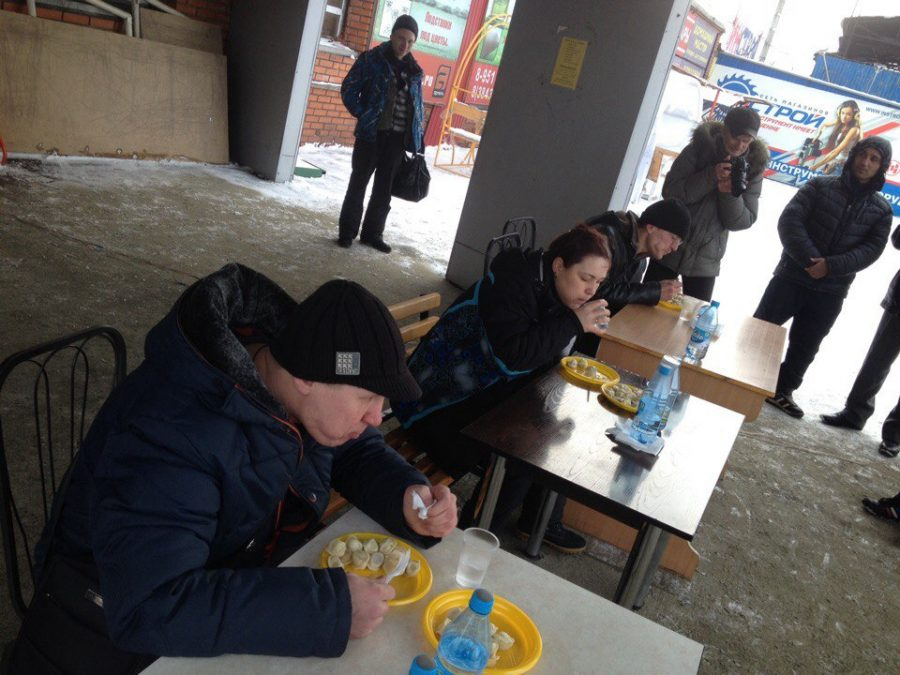 Новокузнечанин установил рекорд попоеданию пельменей
