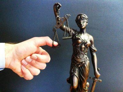 В 2016 году кузбассовцы сократили расходы на юридические услуги и туризм