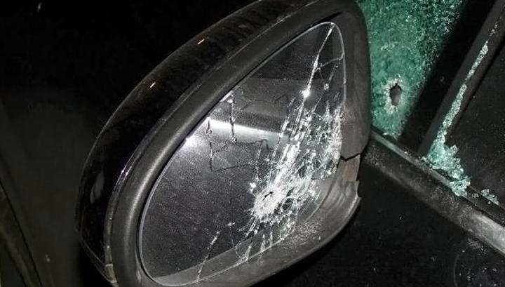 Пьяные прокопчане расстреляли машину соседа, который сделал имзамечание