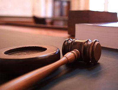 В Кузбассе осудили мужчину, из-за которого ударилась током и погибла 6-летняя девочка