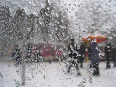 Кузбассовцев предупреждают о мокром снеге и метелях