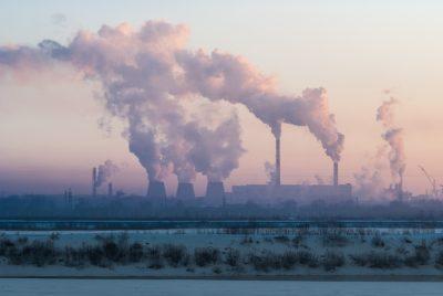 В кузбасских городах зафиксировали высокий уровень загрязнения воздуха сажей