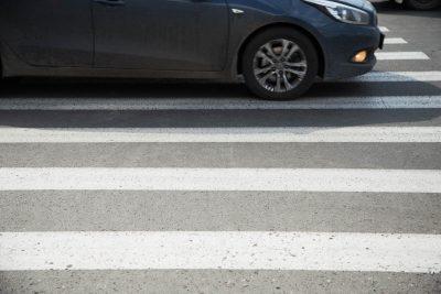 Кузбасс вошёл в топ-3 регионов России, где реже всего пропускают пешеходов на зебре