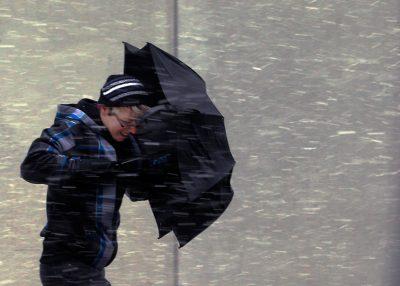 МЧС предупреждает кузбассовцев о штормовом ветре