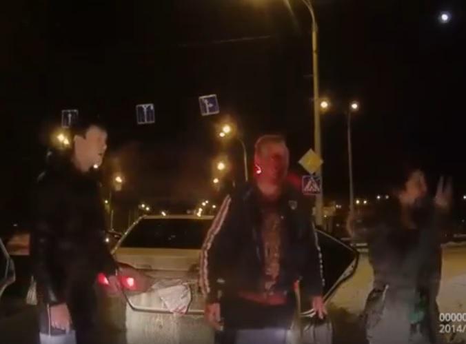 Вweb-сети появилось видео реального автопобоища надороге вКемерово