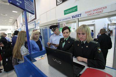 Число кузбассовцев, которым запретили вылет за границу, выросло в 2,5 раза за год