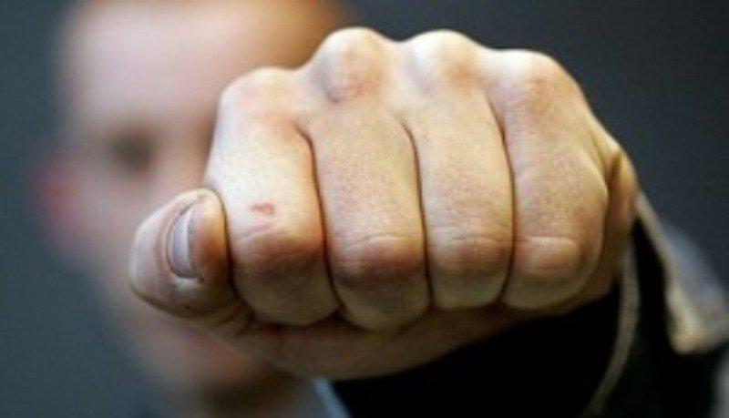 Трое железнодорожников вКузбассе избили коллегу за правдивость