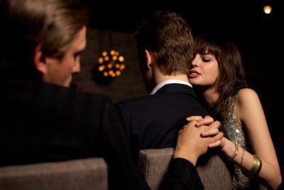Учёные рассказали, какие женщины могут изменят своим партнёрам