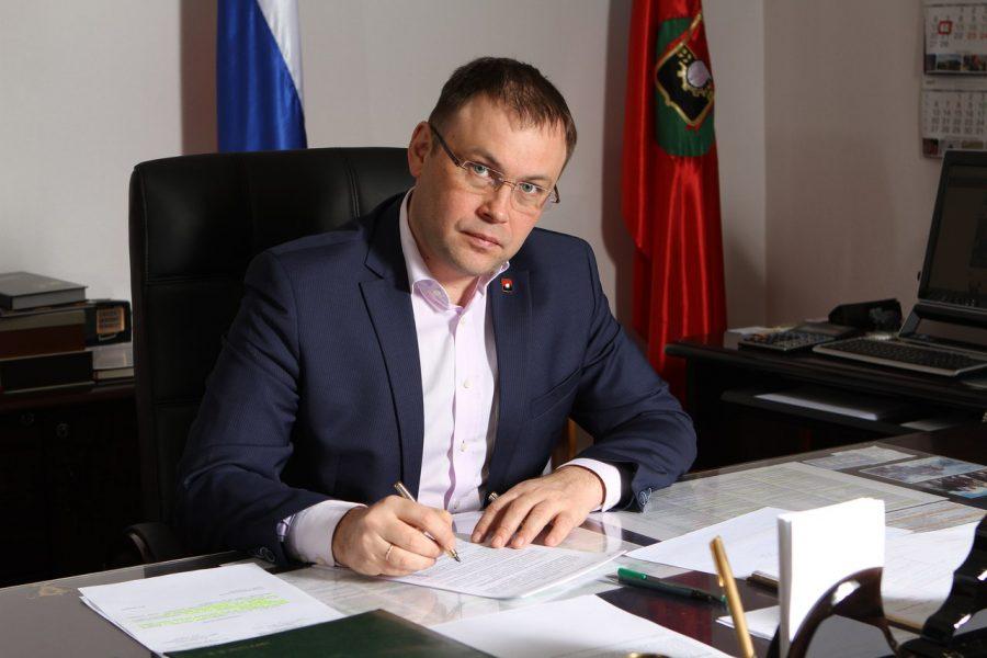 Илья Середюк поздравил кемеровчанок сМеждународным дамским днём
