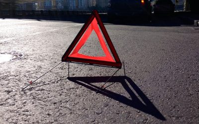В Кузбассе в столкновении двух «легковушек» один человек погиб, двое пострадали