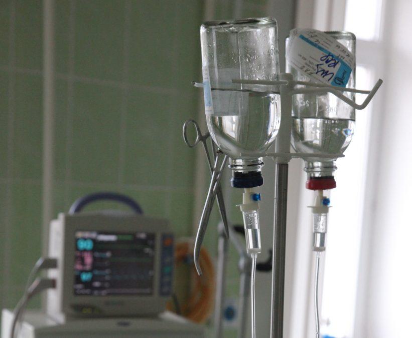 ВКузбассе медработники спасли 15-летнюю девочку, упавшую счетвертого этажа