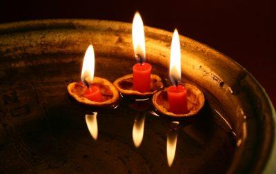 За «священные» свечи из Иерусалима беловчанка отдала мошеннице 700 тысяч