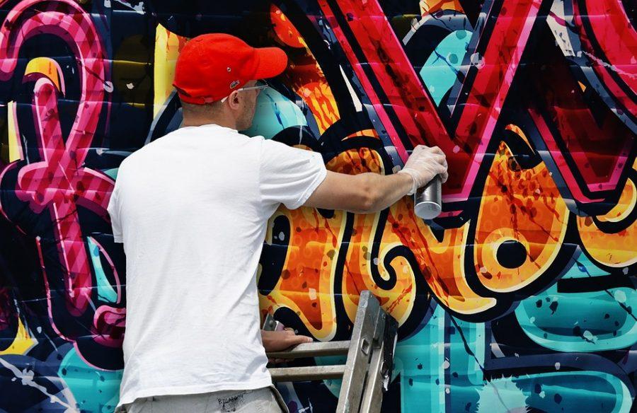 Сергей Кузнецов предлагает облагать штрафом новокузнецких граффитистов зарисунки в неправомерных местах